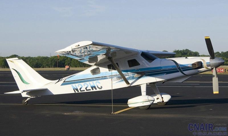 """尽情享受自己有史以来建造的最独特的和有能力的的飞机之一。加强与高实用程序您的飞行享受,高性能的涡轮动力的Comp Air 套件内置的飞机家族。Comp Air 7SLX已经建立在经验丰富的人确切地知道他们想要的东西的要求飞行员。Comp Air 7SL结合惊人的爬坡能力和易于操作的特点,流行的Comp Air 7个较大的襟翼,机翼面积,降低着陆速度的涡轮,是飞机的性能和实用相结合,""""恰到好处""""。随着增设12个""""添加到机身(只是飞行员座椅AFT)和翼弦的匹配增加,CA"""