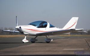 TL-2000 STING S4飞机介绍