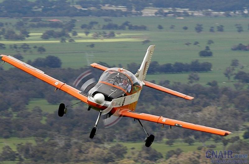 ct-4飞机介绍 - 机型图片
