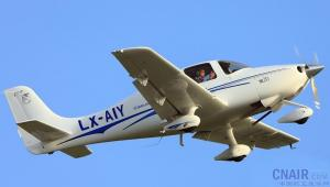 西锐SR20飞机