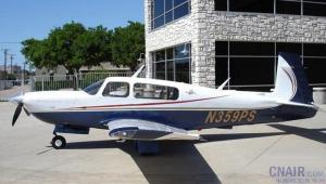 穆尼Ovation2GX飞机