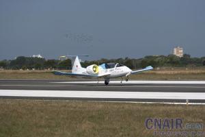 空中客车全电动飞机E-Fan成功完成英吉利海峡历史性飞越